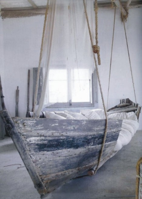 16-rocking-boat-cool-bedroom1-e1410632513667