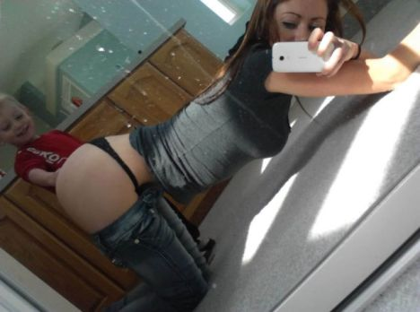 moms_who_take_selfies_like_these_just_dont_get_parenthood_at_all_640_16
