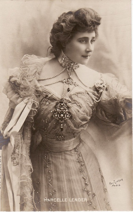 Beautiful Women from the Belle Époque (31)