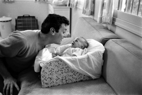Famous Dads with Their Daughters (4)