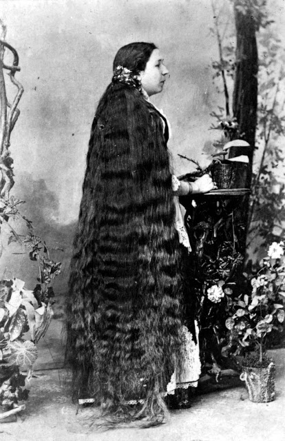Longhair Victorian woman (7)