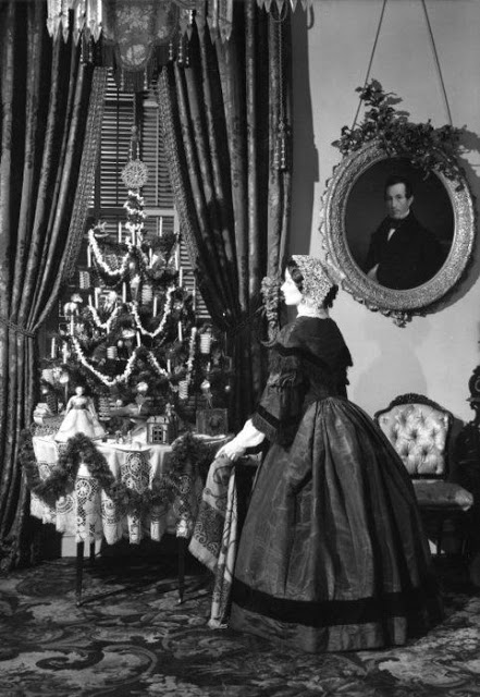 Christmas in Victorian Era  1860(9).jpg