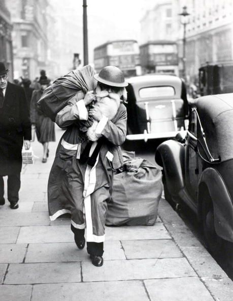 Christmas on London's Streets in the Past (12)