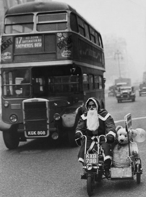 Christmas on London's Streets in the Past (15)