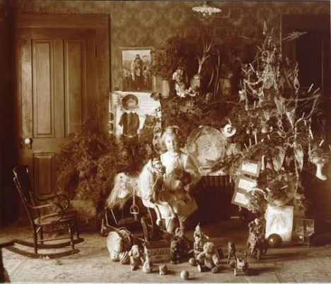How Children Celebrated Christmas More Than 100 Years Ago (17)