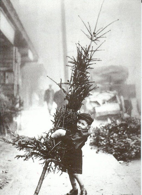 How Children Celebrated Christmas More Than 100 Years Ago (19)
