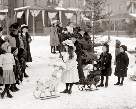 How Children Celebrated Christmas More Than 100 Years Ago (20)