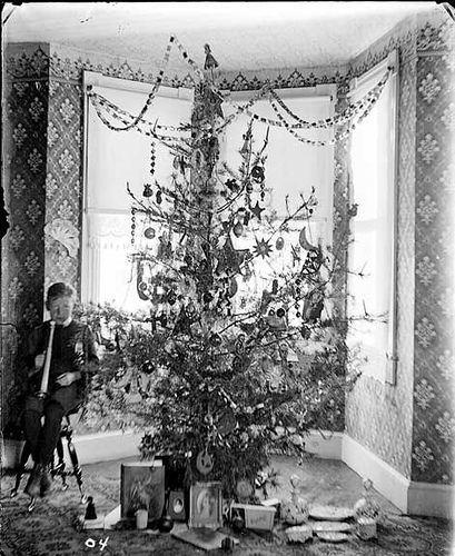 How Children Celebrated Christmas More Than 100 Years Ago (4)