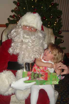 santa-lap-frightened