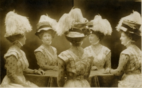 Vintage Mirror Portraits in the late 19th to early 20th Centuries (13)