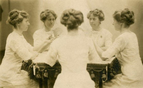Vintage Mirror Portraits in the late 19th to early 20th Centuries (7)
