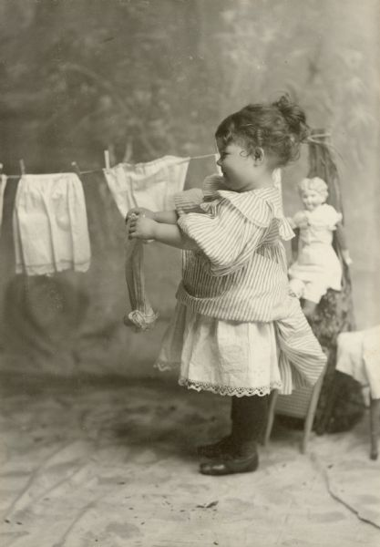 Vintage Photos of Children Working at Home (13).jpg