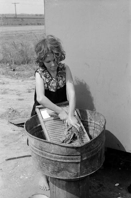 Vintage Photos of Children Working at Home (3).jpg