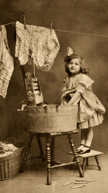 Vintage Photos of Children Working at Home (8).jpg