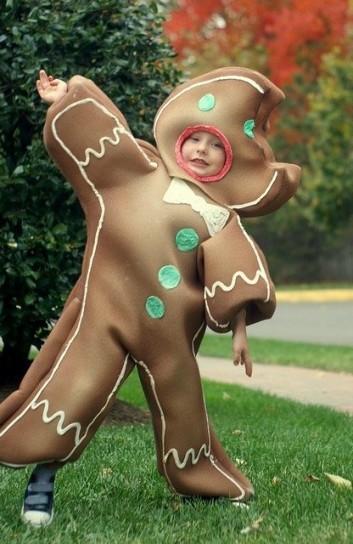 bambino-vestito-da-biscotto-di-marzapane