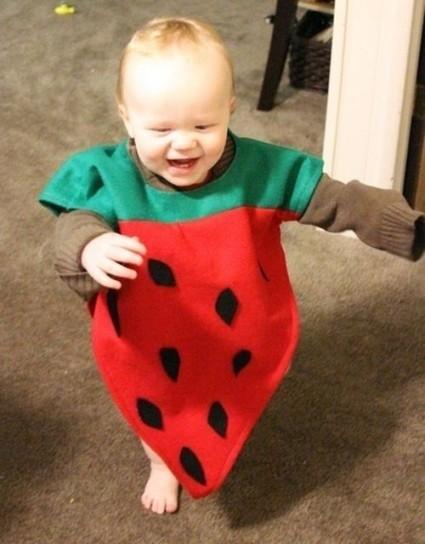 bambino-vestito-da-fragolina