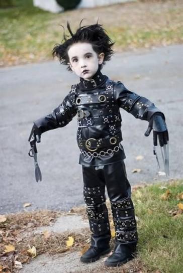 costume-edward-mani-di-forbice