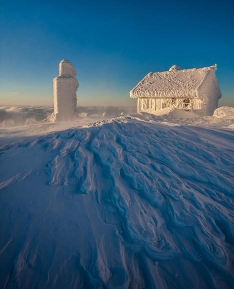winter-houses-17__880-720x887