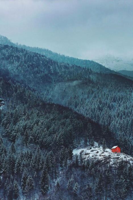 winter-houses-1__880-720x1080