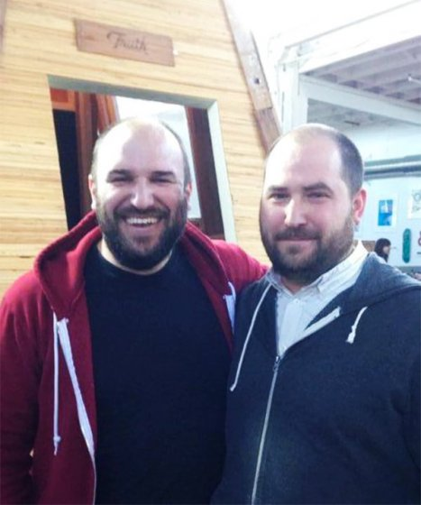 doppelgangers-meet-in-real-life-23-58735c7868982__700