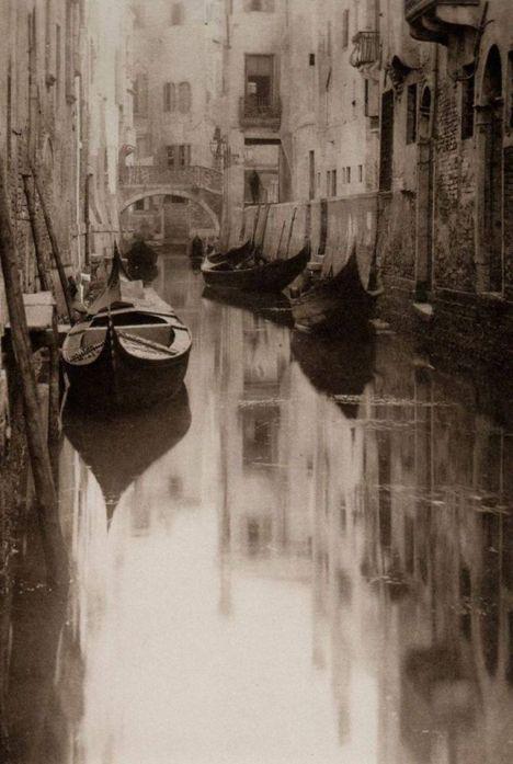 Venetian Canal by Alfred Stieglitz, 1897