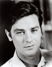 6cb9fdb86a7d411528e148f3a9fe93c2--alain-delon-photo-portrait