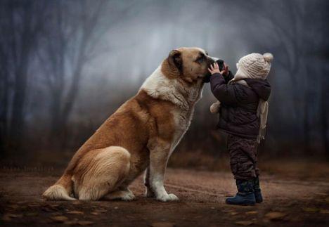 wild-boy-russia-cane-bimbo-dog-child