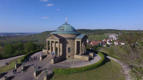 Luftaufnahme_der_Grabkapelle_(Mausoleum)_auf_dem_Rotenberg.JPG
